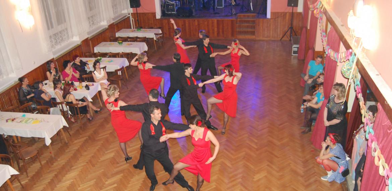 Vystoupení ples Lešná